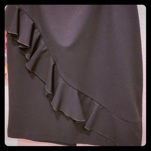 💐3/$10💐Black knit skirt w diagonal ruffle detail